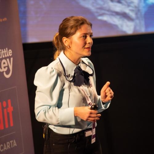 Iliyana presenting at Digital Gaggle