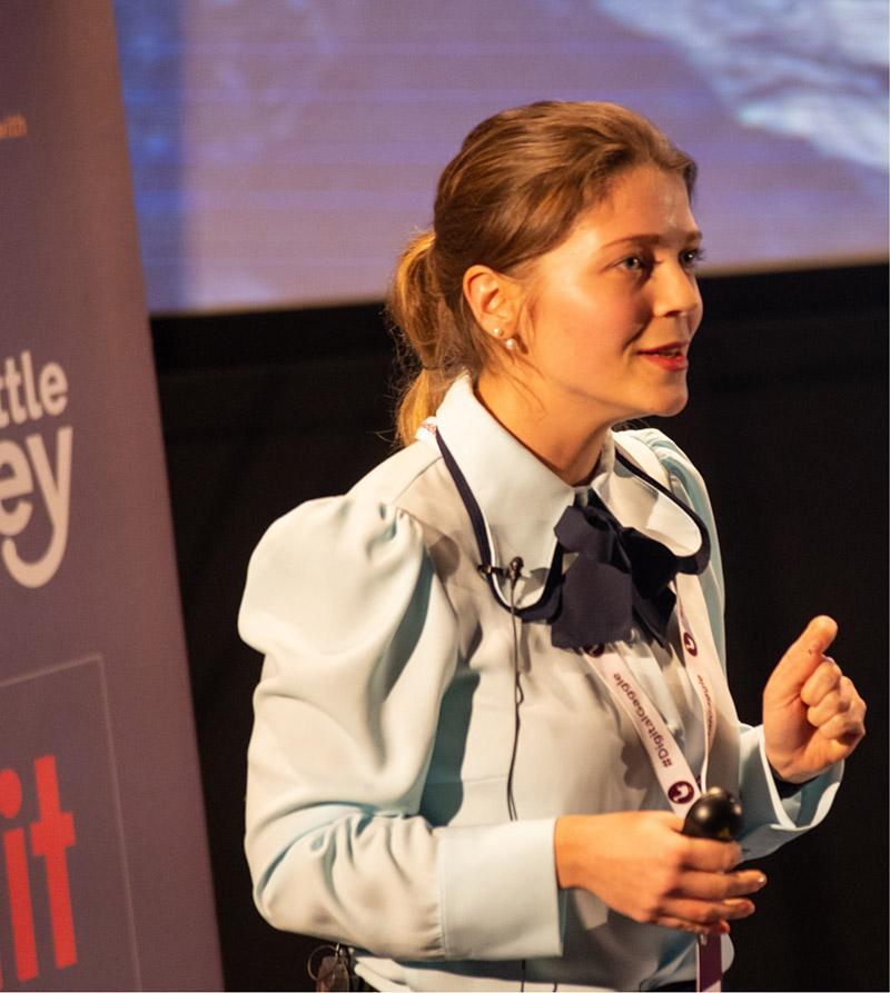 Iliyana Stareva, HubSpot speaker presenting at Digital Gaggle